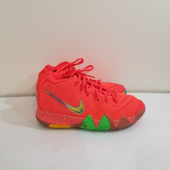 cheap for discount 6952f 845cd Nike Kyrie Irving lucky charms size 5.5